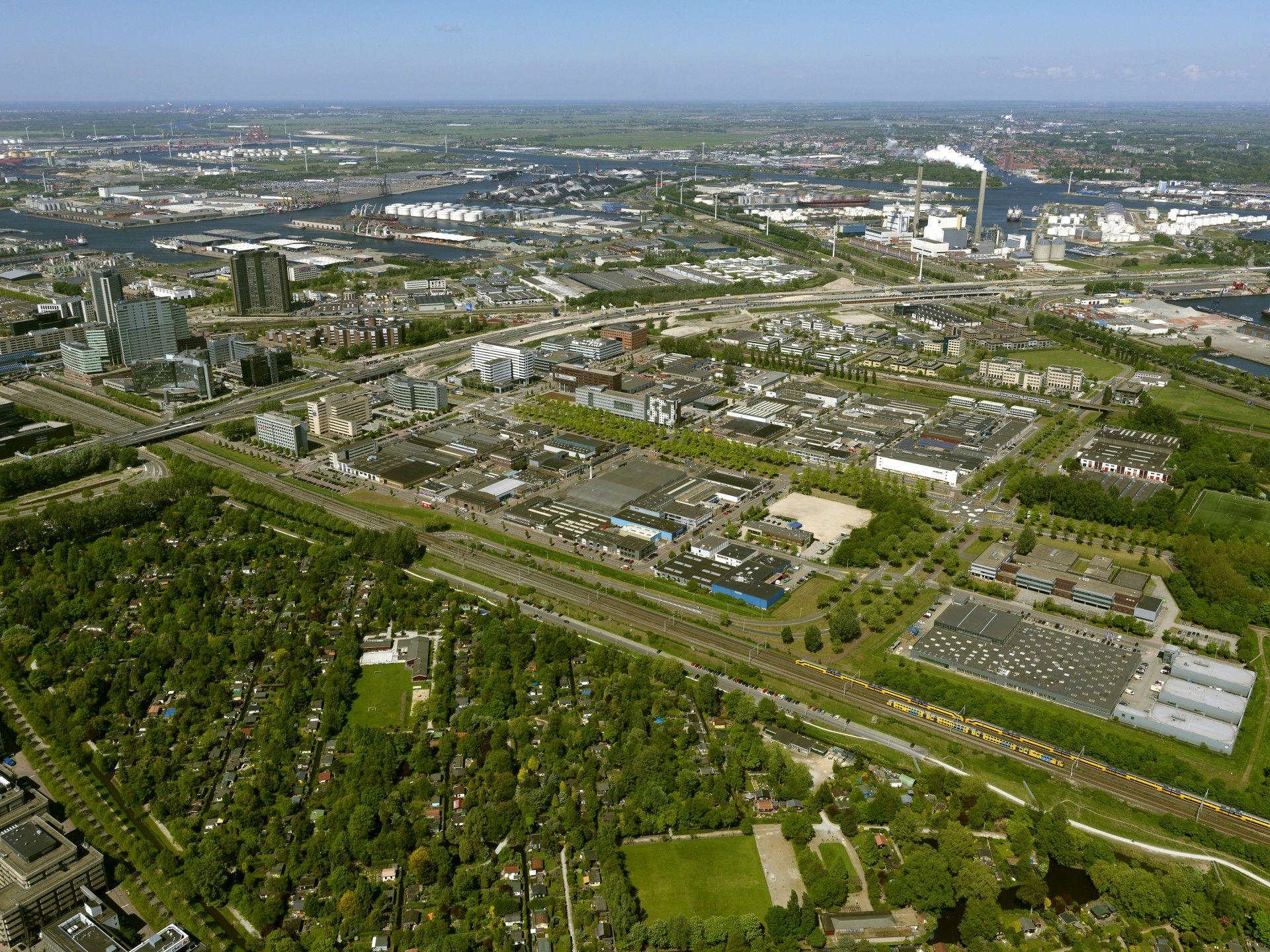 1103744-wg-amsterdam-westpoort1
